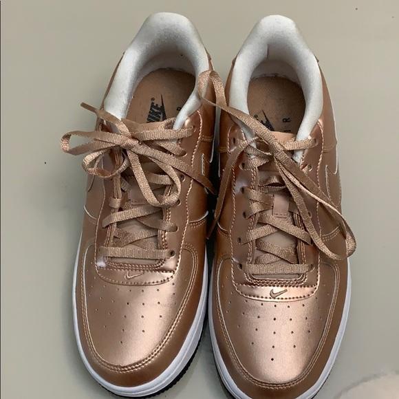 rose gold shoes nike